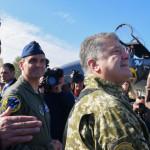 Порошенко предложил НАТО учиться у Украины и пригрозил России авиацией