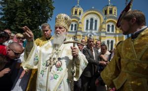 Украинская церковь обвинила РПЦ в повторении политики Кремля