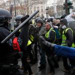 Большинство французов выступило против акций «желтых жилетов»