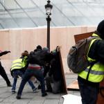 Количество протестующих во Франции оценили в 125 тыс. человек