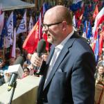 Мэра Гданьска ударили ножом во время праздничного концерта