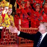 Bloomberg узнал о готовности Трампа к перемирию в торговой войне с Китаем