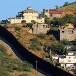 Суд запретил Трампу потратить $1 млрд на стену на границе с Мексикой