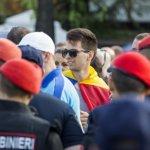 Молдавские премьер-министры заняли позиции по разные стороны парка